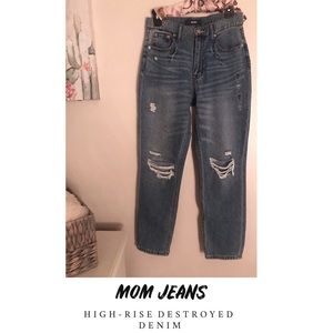 High rise mom jeans💙